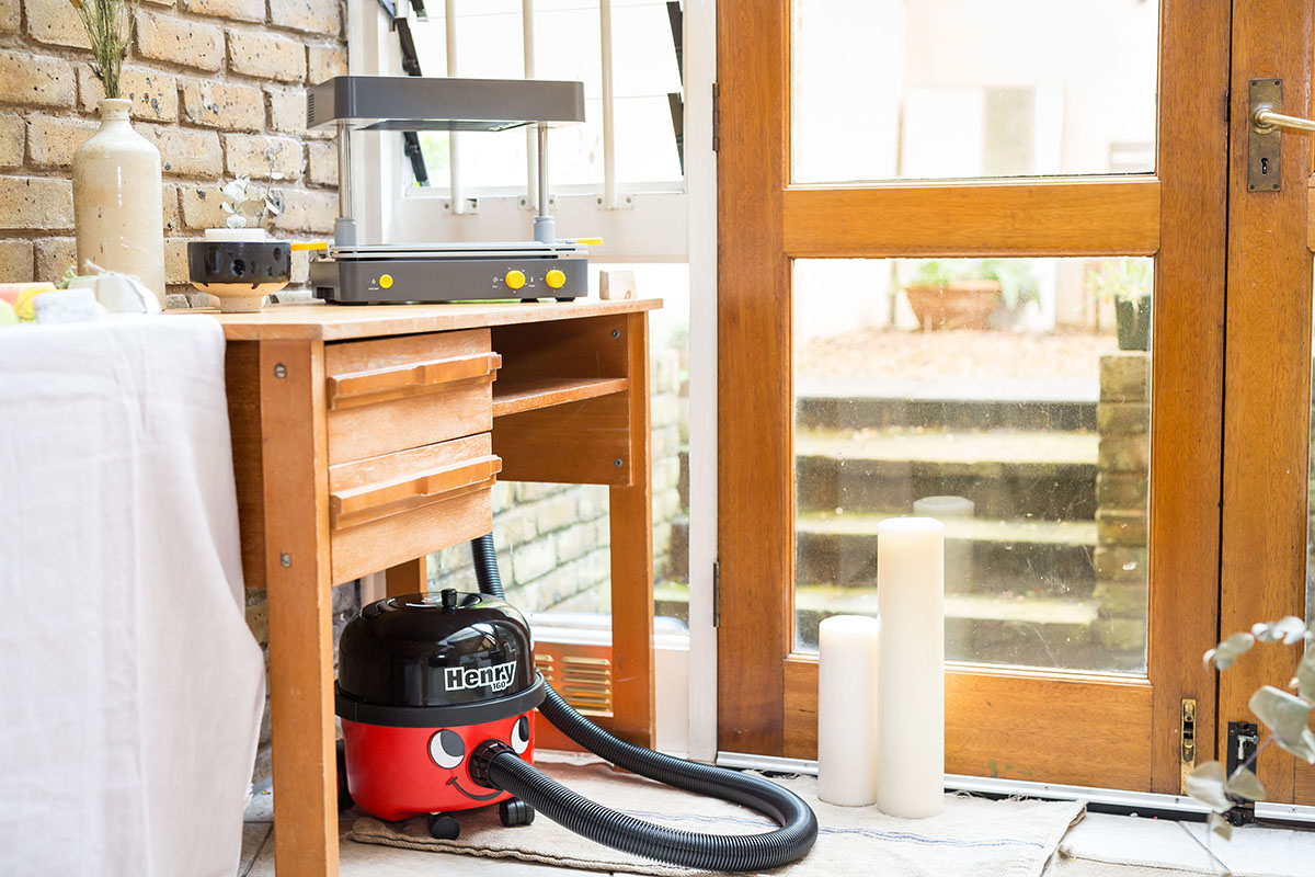 FormBox with Henry the Hoover